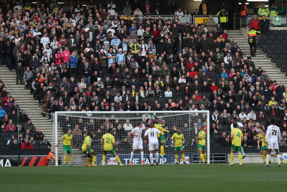 MK DONS REPORT & PHOTOS