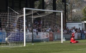 2018-04-21 GatesheadH 27 penalty