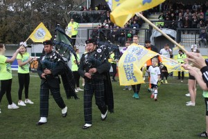 2016-11-19 GuiseleyH 02 pipers