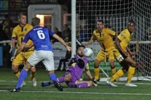2017-10-03 SuttonA 22 goalmouth