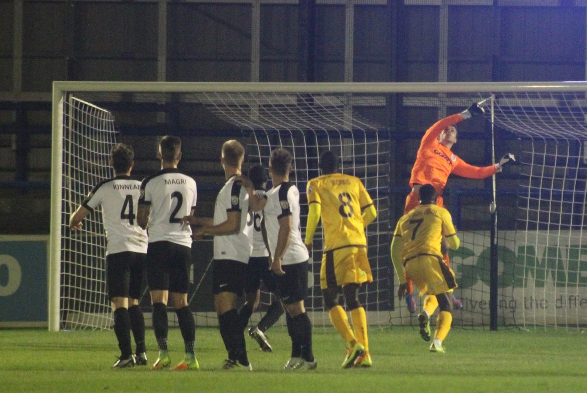 PREVIEW: BURGESS HILL TOWN V WHITES