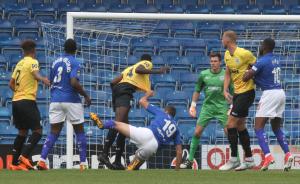 2018-09-08 ChesterfieldA 04 defence
