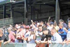 2019-09-14 ChorleyH 10 crowd clbrtn