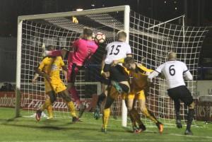 2016-11-17 CambridgeH (FAC) 05 goalmouth