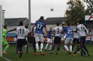 2017-09-23 GuiseleyA 37 goalmouth