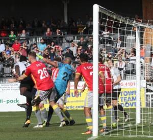 2017-09-30 SolihullMoorsH 14 goalmouth
