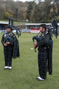 24 Ghurka Pipers